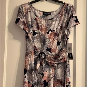 NEW! Floral long dress with belt